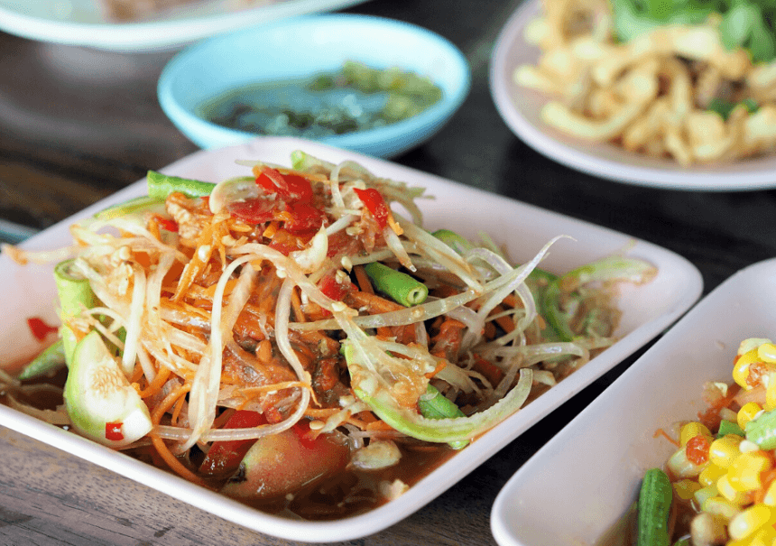 Tourist vs Expat: Must Eat Dishes in Bangkok